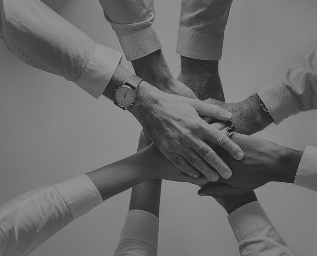 cooperación con la sociedad y comunicación interna